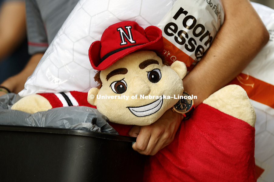 Herbie Husker is a room essential. Residence Hall move-in. August 16, 2018. Photo by Craig Chandler / University Communication.