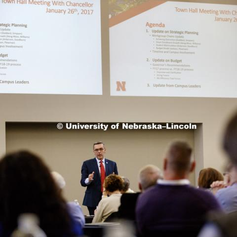 Chancellor Ronnie Green leads a Town Hall meeting at Nebraska Innovation Campus to talk to University leaders about the strategic plans and budgeting. January 26, 2017. Photo by Craig Chandler/University Communication.