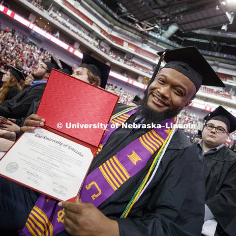 Willie Stennis, Undergraduate Commencement at Pinnacle Bank Arena. December 16, 2017. Photo by Craig Chandler / University Communication.