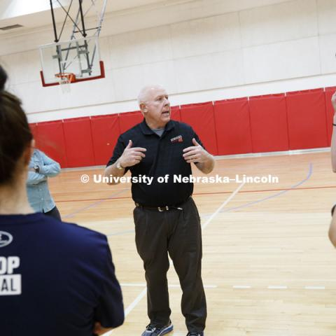 Gary Pence, a retired physical education teacher from Norris school district and lectureer in TLTE, instructs the students in teaching physical education. Masters students in TEAC 893 Seminar Workshop in Health & Physical Education apply learning