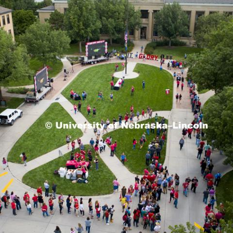 Lines for t-shirts and food snake around the east campus loop. In Our Grit, Our Glory brand reveal party on east campus at the Nebraska Union. August 31, 2018. Photo by Craig Chandler / University Communication.