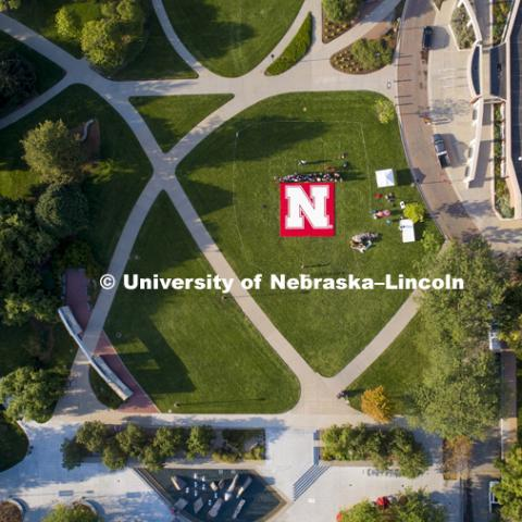 Husker Flag made of mega blocks being assembled on green space by Nebraska Union. August 31, 2018.  Photo by Craig Chandler / University Communication.