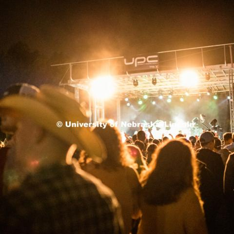 2018 Homecoming Concert with Drake White and the Big Fire, and Eric Paslay on the East Campus Mall. September 27, 2018. Photo by Justin Mohling / University Communication.