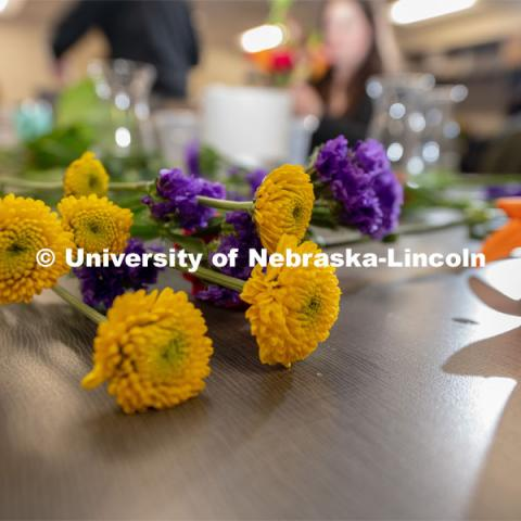 Stacy Adams class, Hort 261- Floral Design 1, in Plant Sciences Hall. Students create floral arrangements. February 26, 2019. Photo by Gregory Nathan / University Communication.