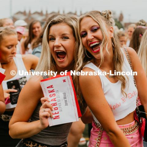 Sorority recruitment Bid Day. August 24, 2019. Photo by Justin Mohling / University Communication.