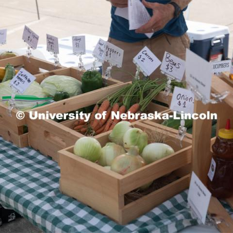 Vendors selling their produce at the Fallbrook Farmers Market in northwest Lincoln, Nebraska. July 23, 2020. Photo by Gregory Nathan / University Communication.